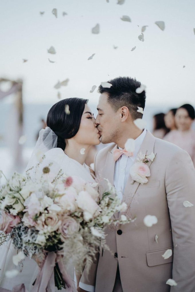 Inandra & Stella's wedding by Atham Tailor - 006