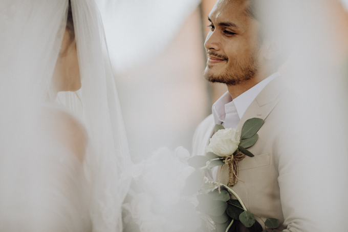 Randy Pangalila & Chelsey Frank's Wedding by Atham Tailor - 005