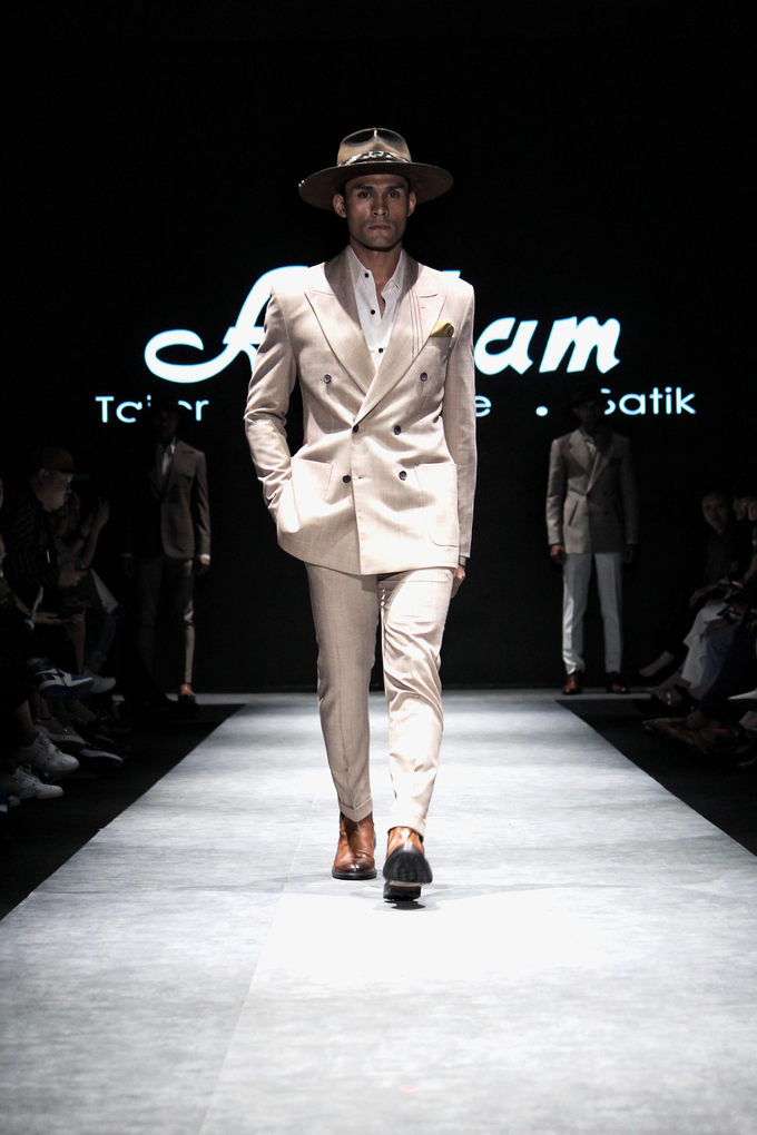 Men's fashion week 2019 by Atham Tailor - 007