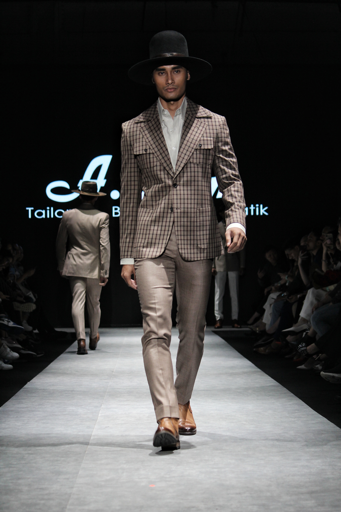 Men's fashion week 2019 by Atham Tailor - 009