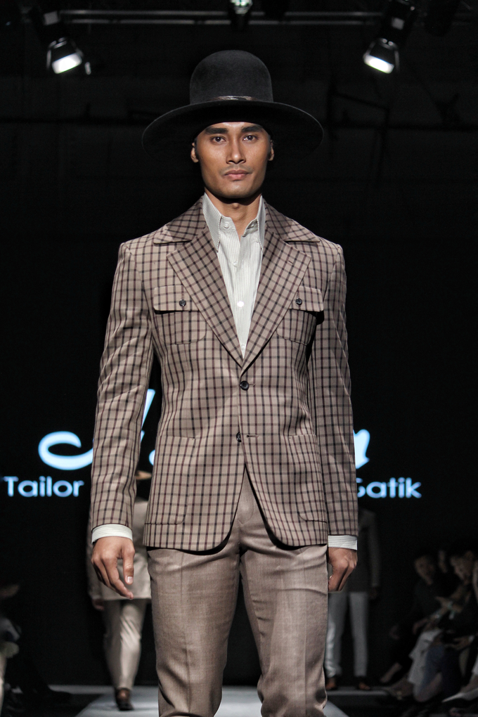 Men's fashion week 2019 by Atham Tailor - 010