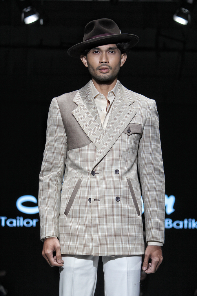 Men's fashion week 2019 by Atham Tailor - 012