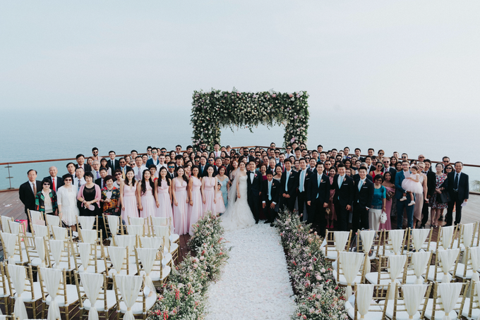 Glamorous Wedding at the Cliff of Uluwatu by The edge - 003