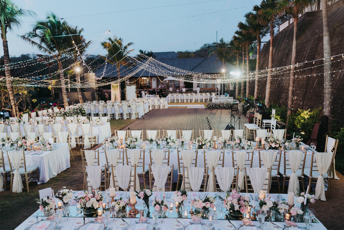 Glamorous Wedding at the Cliff of Uluwatu by The edge - 012