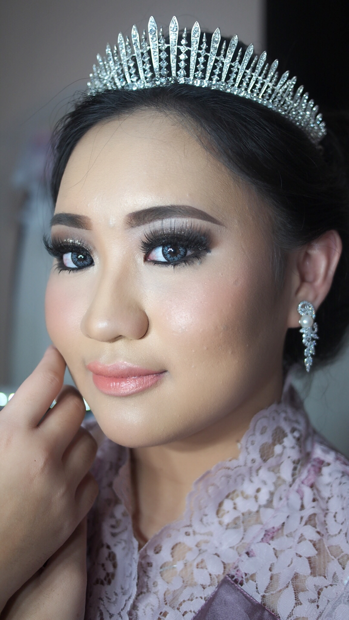 Victoria's Reception Look by ayrin makeup - 001