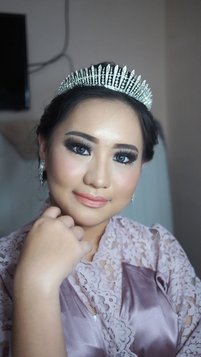 Victoria's Reception Look by ayrin makeup - 009