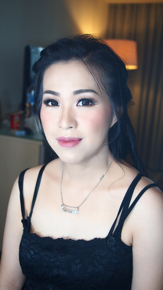 Mrs.Ling Ling by ayrin makeup - 004