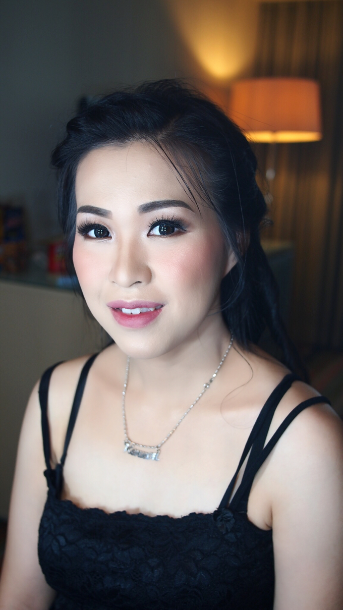 Mrs.Ling Ling by ayrin makeup - 003