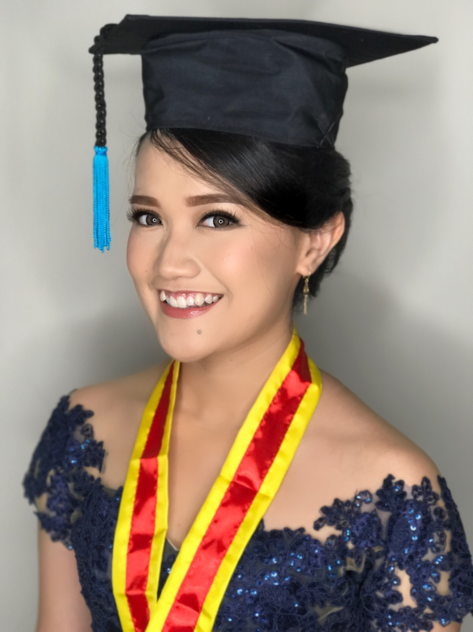 Graduation by AyuAbriyantimakeupartist - 040