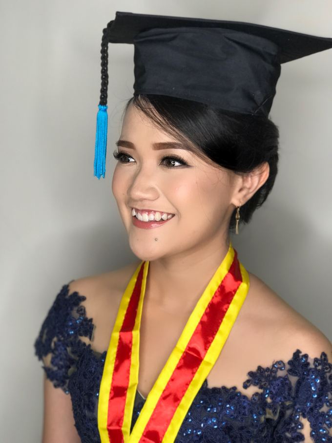 Graduation by AyuAbriyantimakeupartist - 041