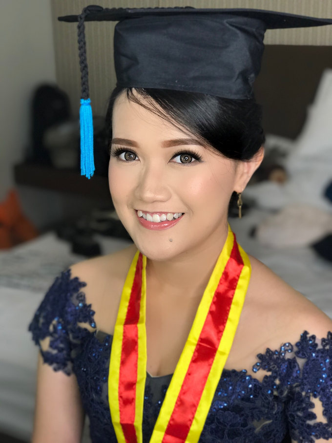 Graduation by AyuAbriyantimakeupartist - 043
