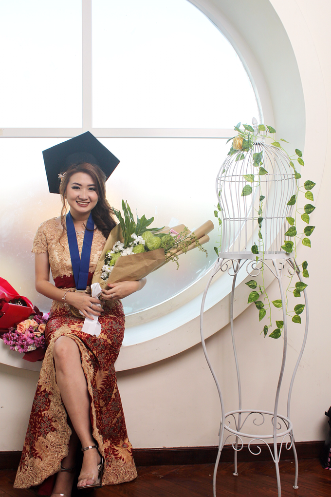 Graduation by AyuAbriyantimakeupartist - 044