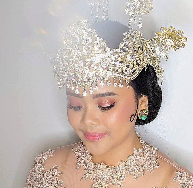 Traditional Ceremony by Make Up by Mutiara Fallahdani - 004