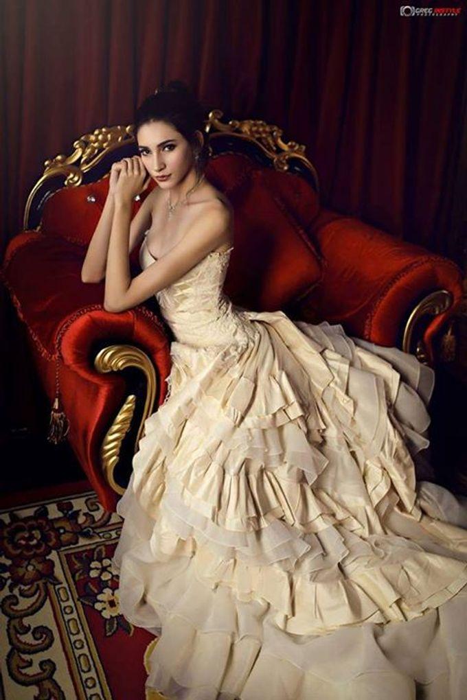 Victorian Bridal Pre Wedding Shoot by Beautistylebykoreen - 003