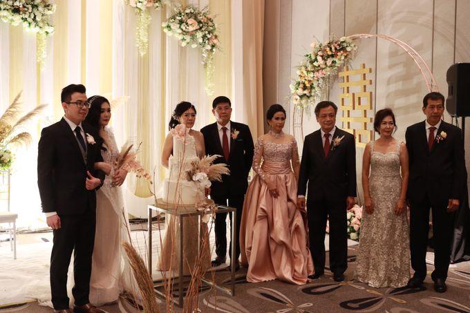 Lounge Jazz wedding band at Double Tree Jakarta by Double V Entertainment by Double V Entertainment - 040