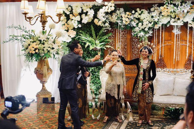 Sisi & Arnaud Wedding by HENRY BRILLIANTO - 030