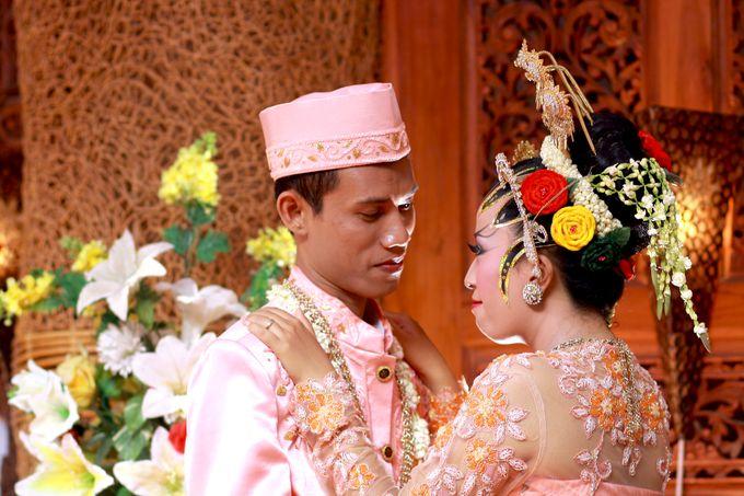 Desy + Bagus Wedding by Happy Hour Studio - 001