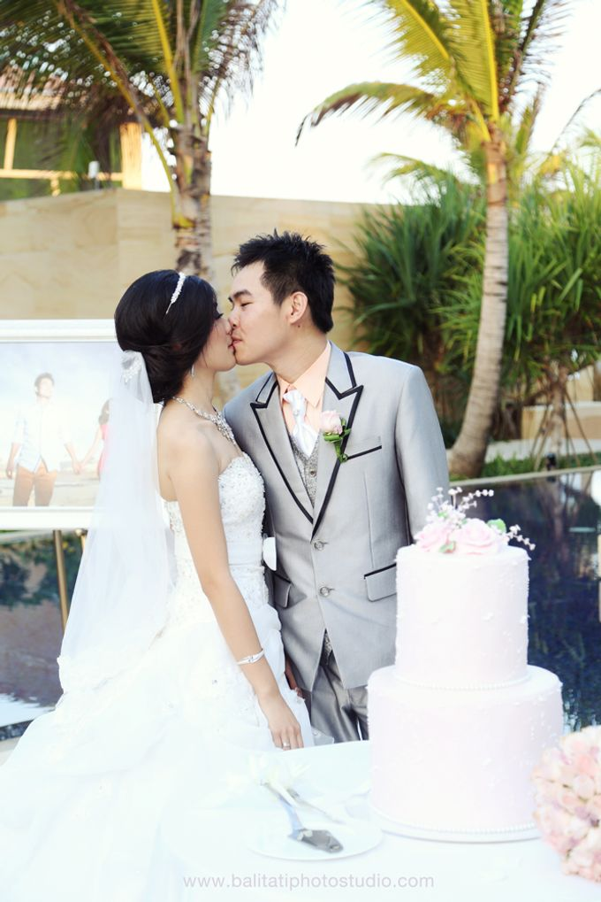 The Wedding of Ivan & Indah by Tati Photo - 034