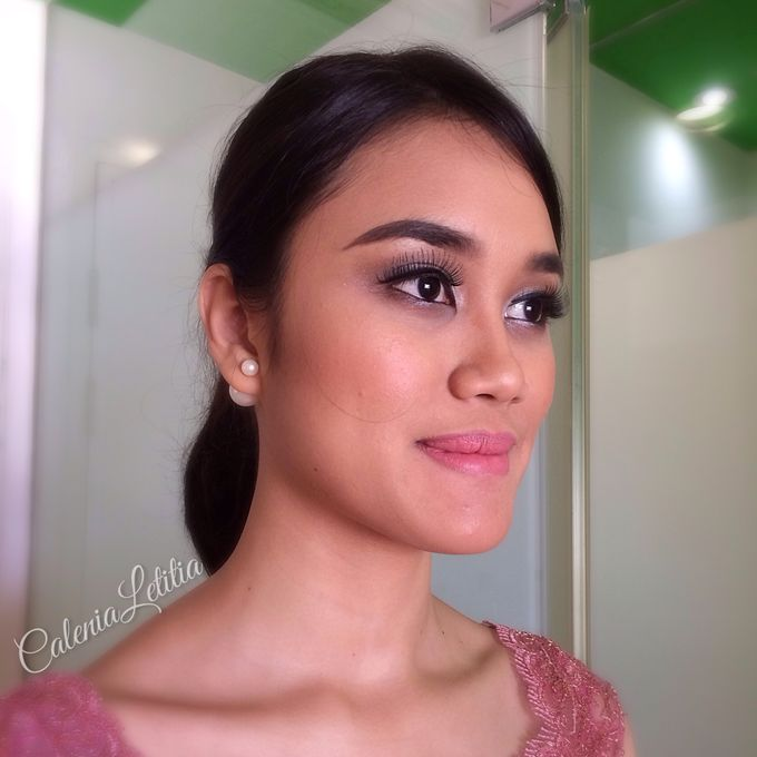 Bridesmaid for Gisella & Adhi Wedding by Calenia Letitia Makeup Artist - 011