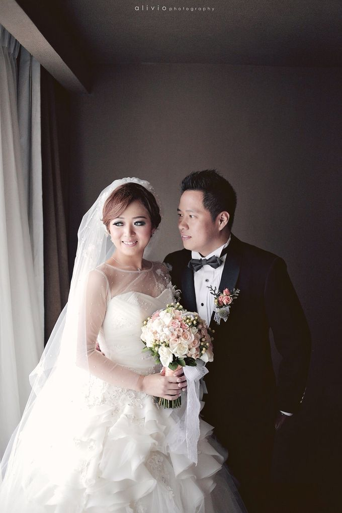 Hendra + natalie   wedding by alivio photography - 013