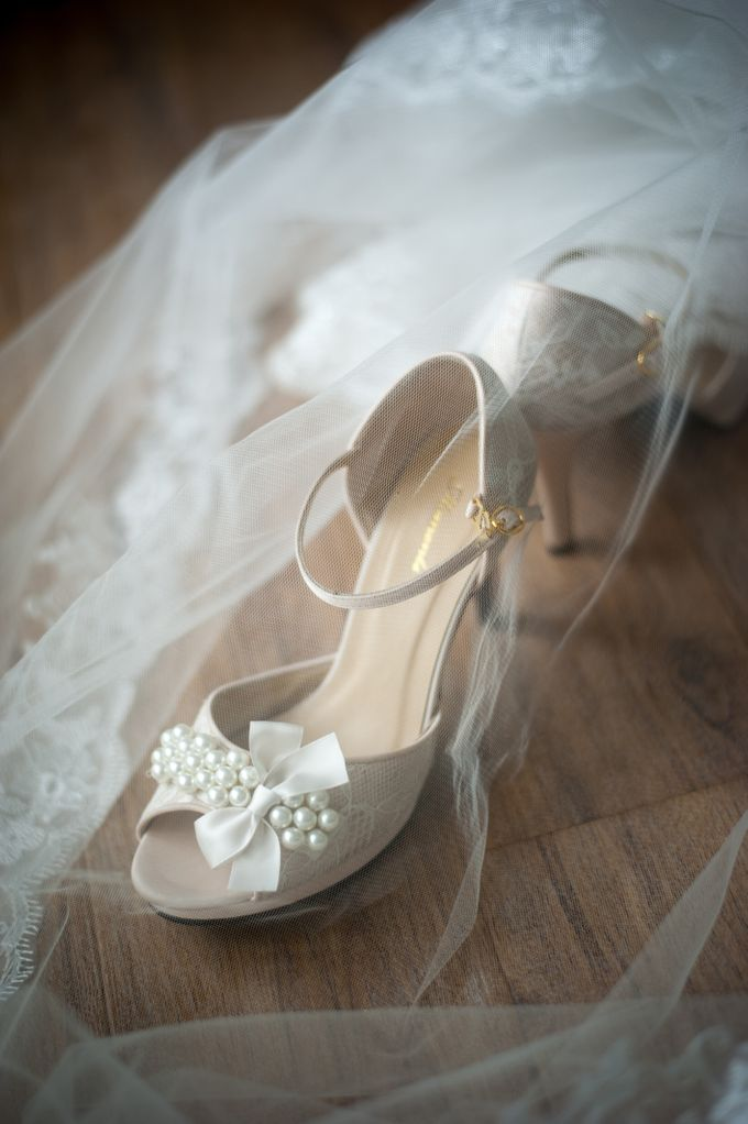 Bride : Vivian Yap by Moments Shoe - 001