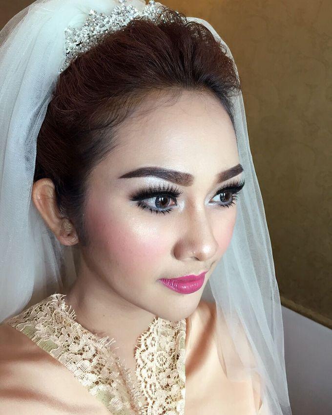 Wedding Makeup Hairdo and Family Makeup Hairdo by Ira Makeup Artist - 012