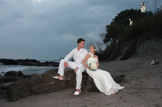 Beach Wedding by lombok wedding planner - 004