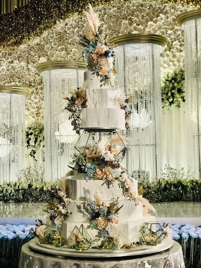 7 & 8 tiers Wedding Cake by LeNovelle Cake - 012