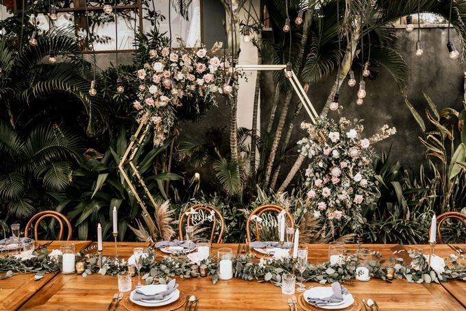 An intimate and private wedding in Bali by Hipster Wedding - 031