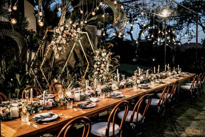 An intimate and private wedding in Bali by Hipster Wedding - 034