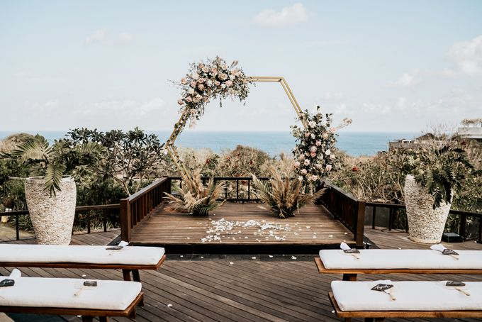 An intimate and private wedding in Bali by Hipster Wedding - 016