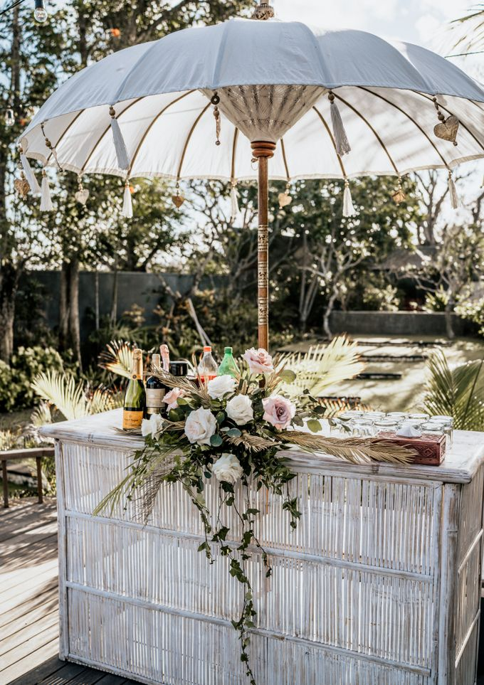 An intimate and private wedding in Bali by Hipster Wedding - 018