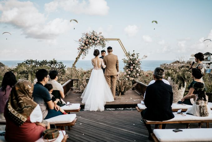 An intimate and private wedding in Bali by Hipster Wedding - 021