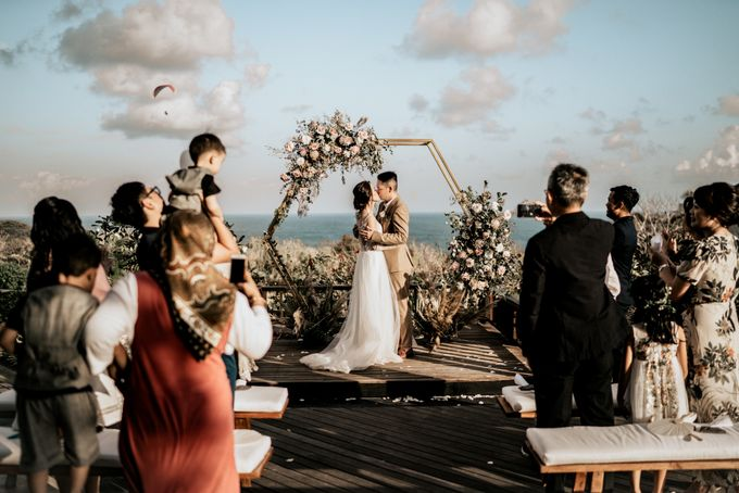 An intimate and private wedding in Bali by Hipster Wedding - 022
