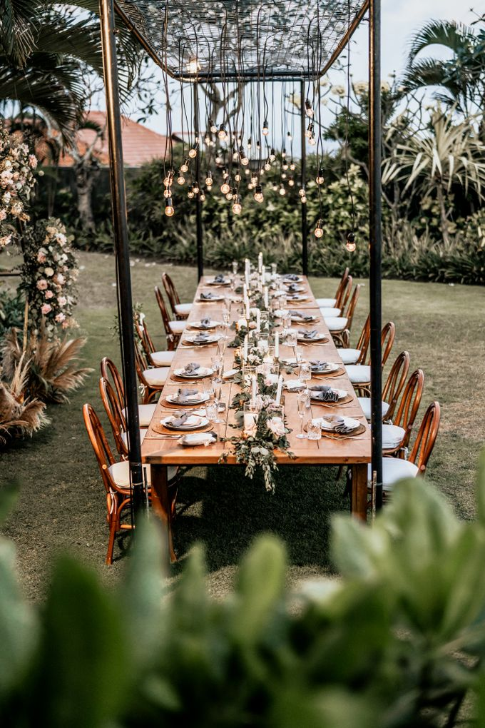 An intimate and private wedding in Bali by Hipster Wedding - 027