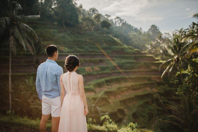 Foto pertunangan di tegenungan bali by Maxtu Photography - 009