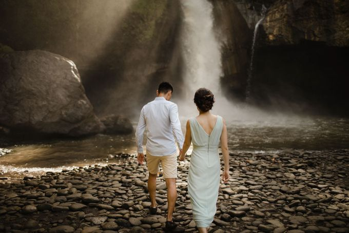 Foto pertunangan di tegenungan bali by Maxtu Photography - 010
