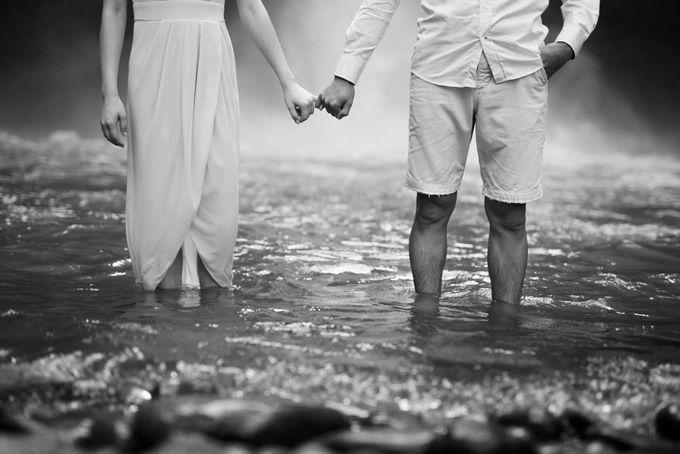 Foto pertunangan di tegenungan bali by Maxtu Photography - 015