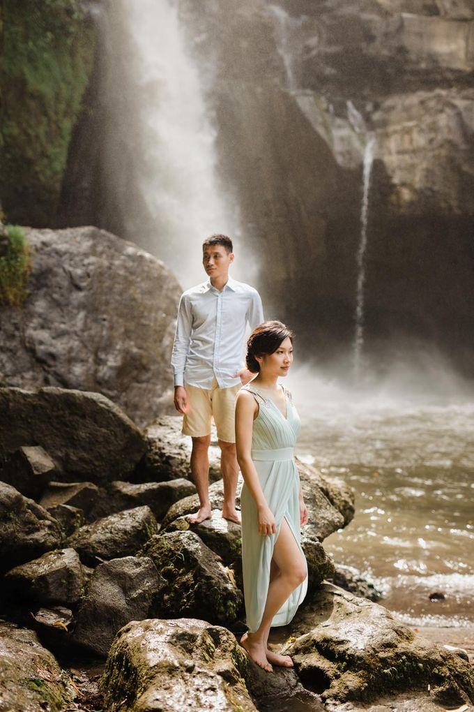 Foto pertunangan di tegenungan bali by Maxtu Photography - 019