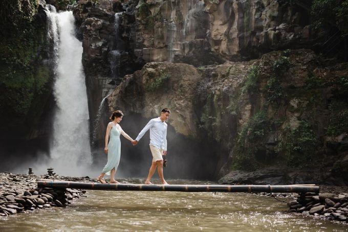 Foto pertunangan di tegenungan bali by Maxtu Photography - 023