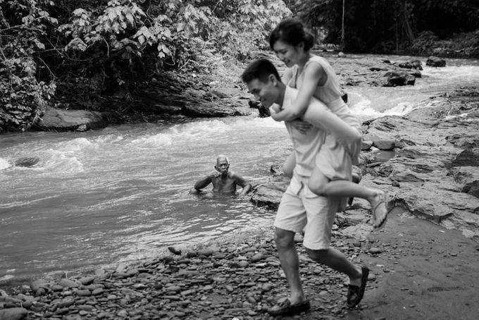Foto pertunangan di tegenungan bali by Maxtu Photography - 030