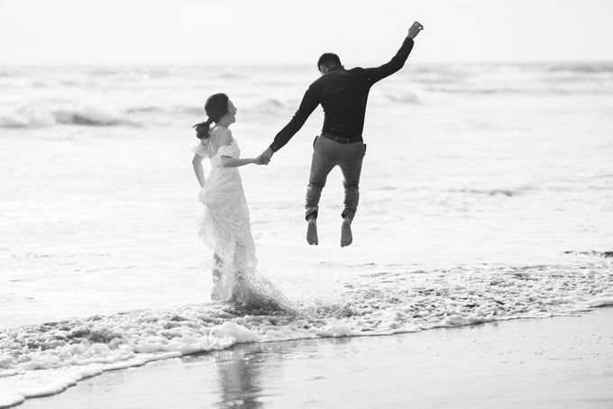 Blangsinga Engagement in Bali by Maxtu Photography - 032