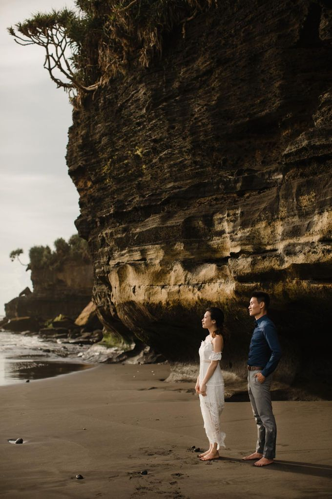 Blangsinga Engagement in Bali by Maxtu Photography - 037