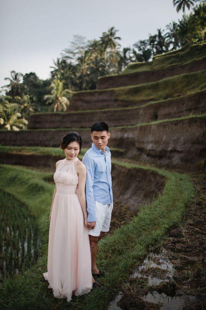 Foto pertunangan di tegenungan bali by Maxtu Photography - 006