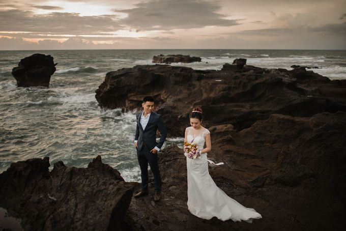 Blangsinga Engagement in Bali by Maxtu Photography - 047