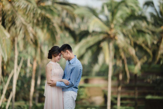 Foto pertunangan di tegenungan bali by Maxtu Photography - 008