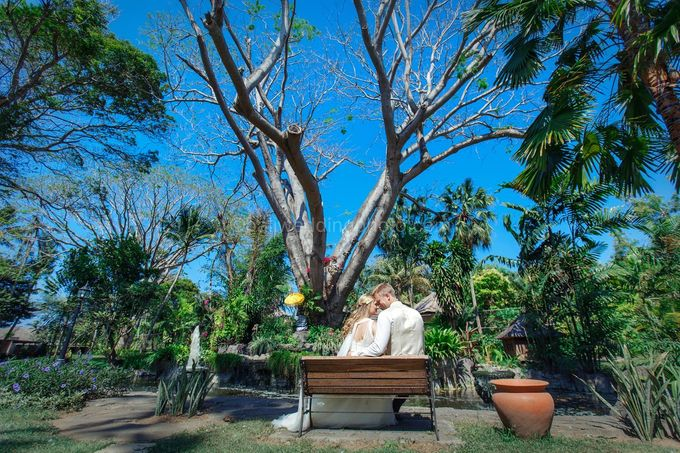 Full Day Pre Wedding of Maria and Sebastian by D'studio Photography Bali - 005