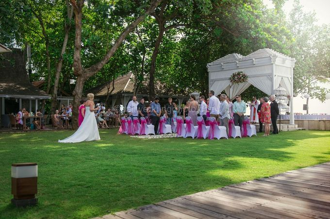 Renae and Mark Wedding Photography at Bali Garden Beach Resort by D'studio Photography Bali - 008