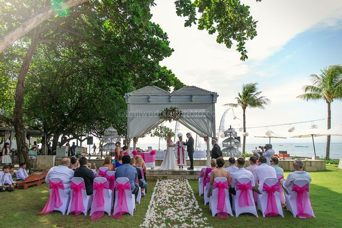 Renae and Mark Wedding Photography at Bali Garden Beach Resort by D'studio Photography Bali - 012