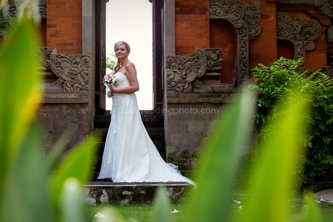 Renae and Mark Wedding Photography at Bali Garden Beach Resort by D'studio Photography Bali - 024